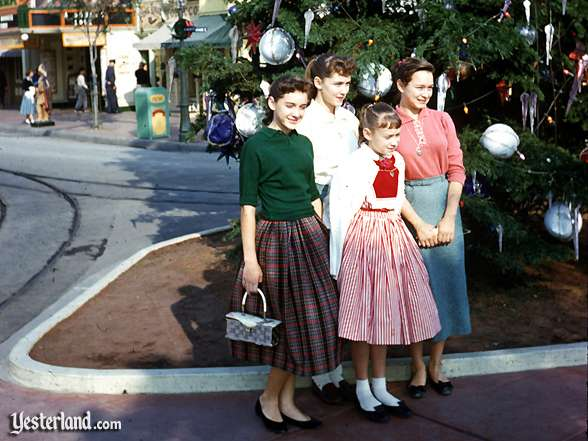 Yesterland Presents Dressing For Disneyland In The 1950s