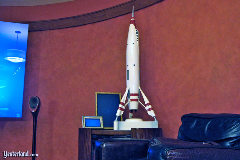 Rocket to the Moon homage in the Innoventions Dream Home at Disneyland