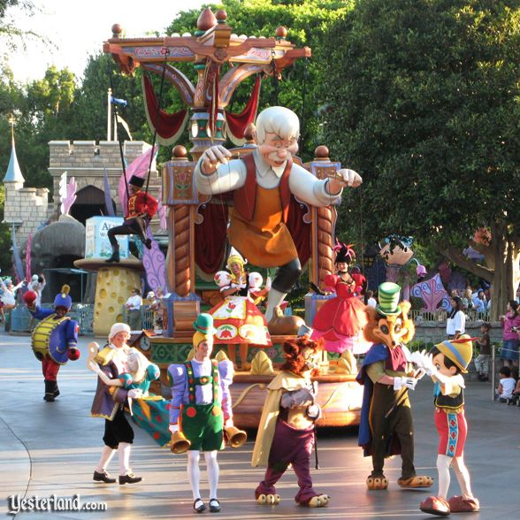 [Disneyland] Nouvelle parade: Disney Magic Happens (28 février 2020) Year2009_dreamsparade2007ww