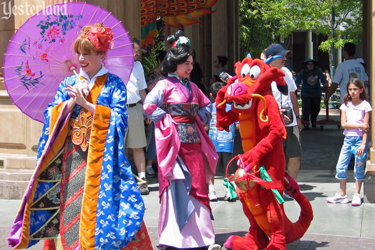 Mulan's Chinese New Year Greetings at Disney California Adventure