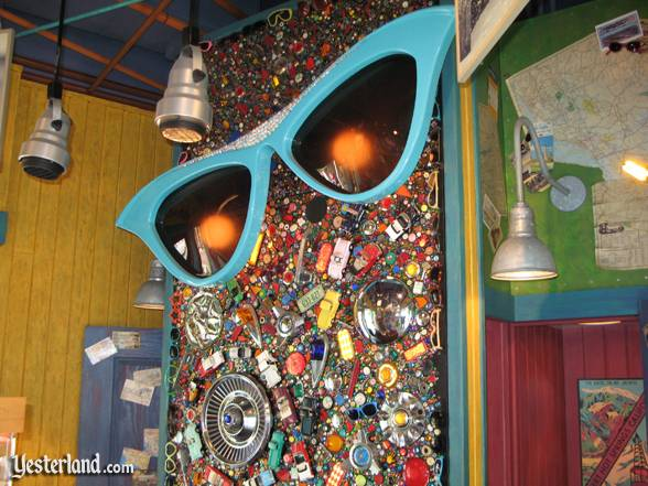 Photo of Sunglass Shack art: 2007 by Werner Weiss.