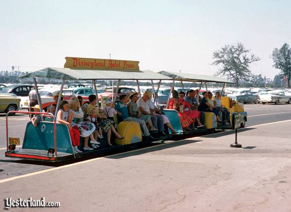 parking trams with new doors page 2 wdwmagic unofficial walt disney world discussion forums. Black Bedroom Furniture Sets. Home Design Ideas