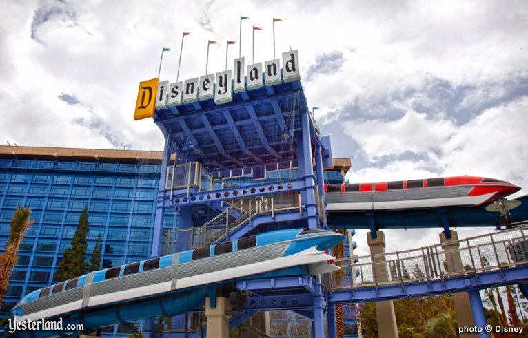 Disneyland Hotel Monorail Pool