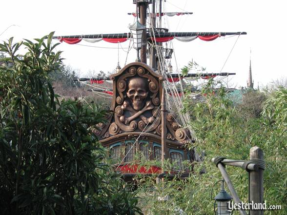 The stern of Captain Hook's Galley at Disneyland Paris