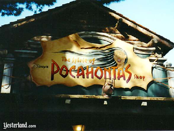 Photo of the Spirit of Pocahontas shop in Frontierland