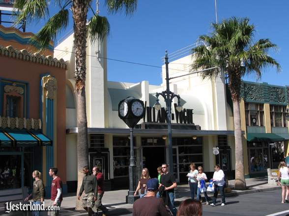 Villains in Vogue (center façade) at Disney's Hollywood Studios