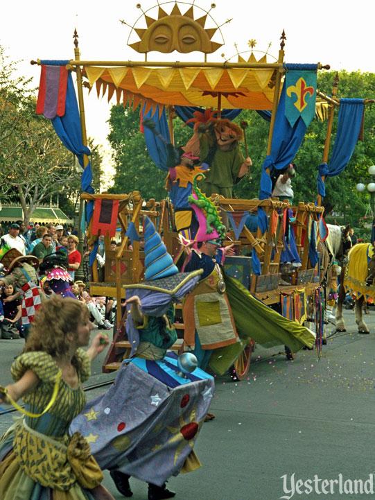 Anciennes Parades des Resorts Américains Hunchback_mainfloat1998ww
