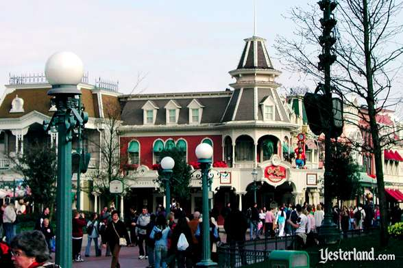Photo of Gibson Girl Ice Cream on Main Street, USA, at Disneyland Paris