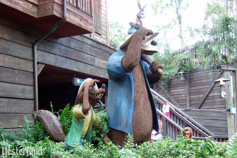 Sculptures of the main characters, Magic Kingdom Park