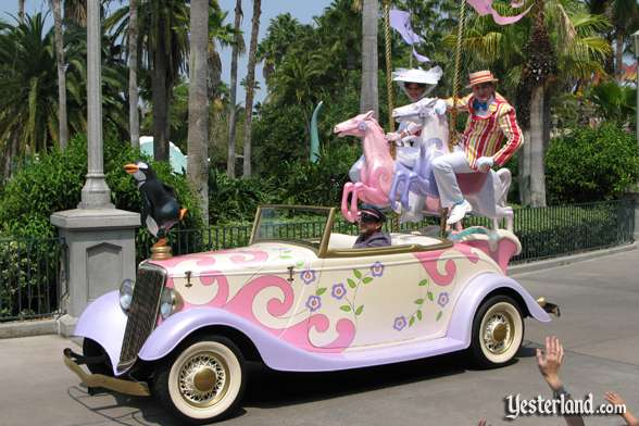 Mary Poppins car in Disney Stars and Motor Cars parade