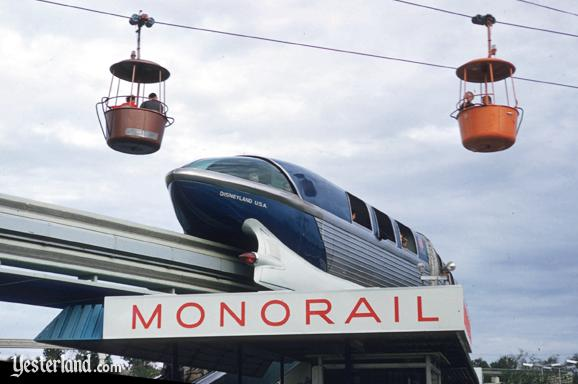 Photo of back end of Disneyland Alweg Monorail       Blue (Mark I)