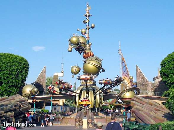 Photo of Astro Orbitor at Disneyland in 2004