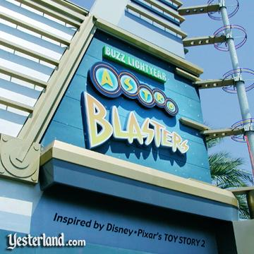 Photo of Buzz Lightyear Astro Blasters sign in 2006