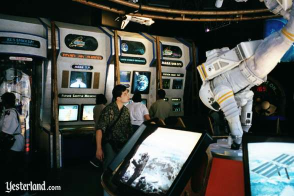 Photo of displays at the American Space Experience