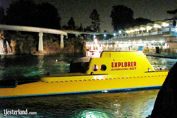 "Photo of Finding Nemo submarine ""Explorer"""