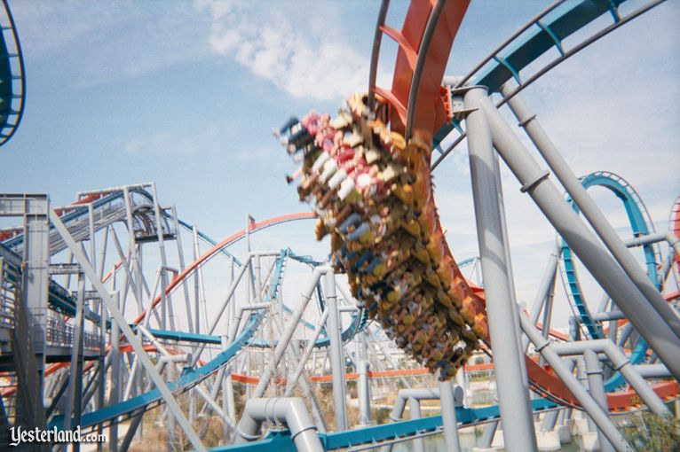 Dueling Dragons at Universal's Islands of Adventure in 2000